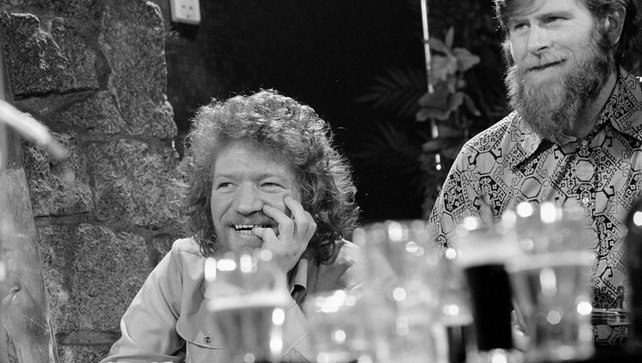Luke Kelly and John Sheahan (1974)