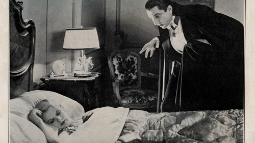 I always feel like somebody's watching me: Bela Lugosi as Count Dracula and Frances Dade as Lucy in the 1931 film of Dracula based on the novel by Bram Stoker. Photo: Culture Club/Getty Images