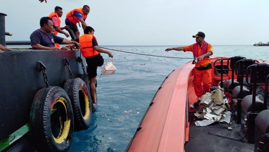 Plane with 188 people crashes off Indonesia