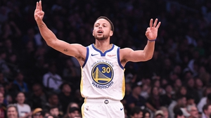 Steph Curry continues to set the standard in the NBA
