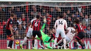 Marcus Rashford scores the winner for United