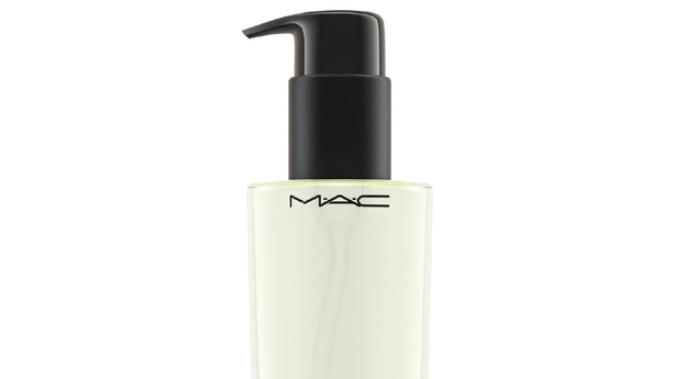 MAC Cosmetics Cleanse off Oil