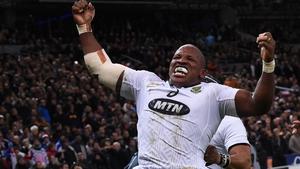 South Africa's hooker Bongi Mbonambi celebrates his match-winning try