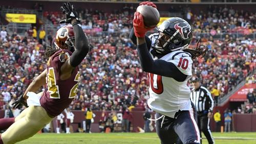 Houston Texans wide receiver DeAndre Hopkins (10) takes a touchdown pass