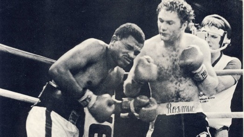Seán Mannion in his prime, defeating Roosevelt Green in the fight prior to his WBA light middleweight world title fight against Mike McCallum, 1984.