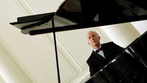 Pianist Hugh Tinney celebrates his 60th birthday with a concert of Beethoven music
