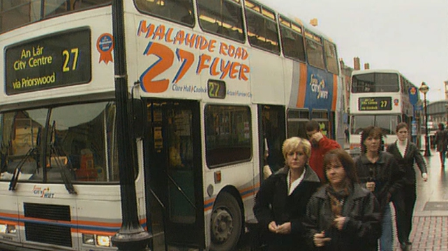 Passengers alighting from the number 27 bus in Talbot Street (1998)