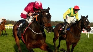 Apple's Jade (L)  beats Supasundae at Leopardstown last December