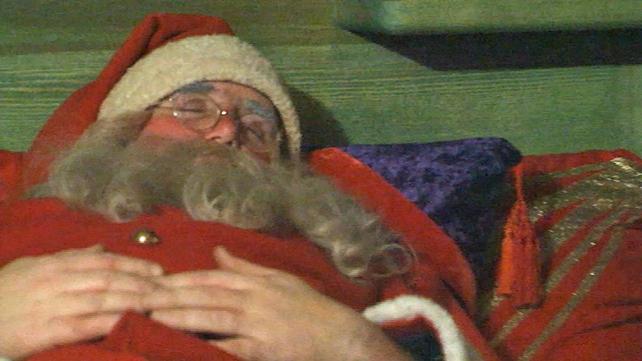 Santa Dempsey's Den (1988)
