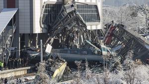 High speed train crashed into a locomotive