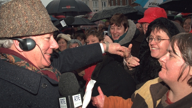Gay Byrne on final 'Gay Byrne Show' (1998)