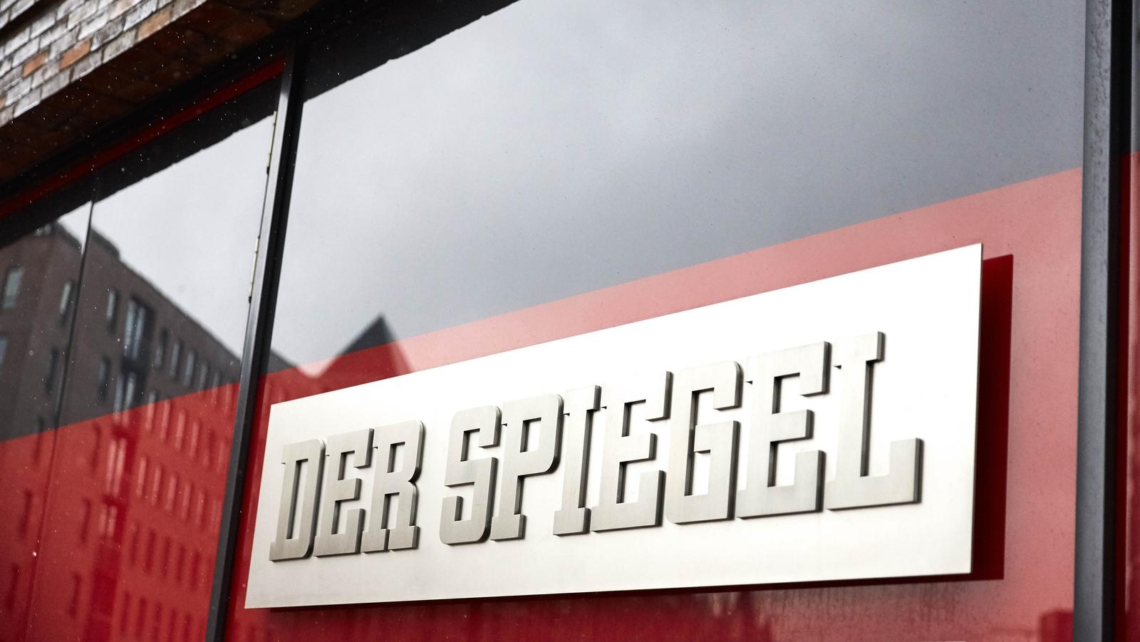 Der spiegel journalist 39 faked stories 39 for years for Journalist spiegel