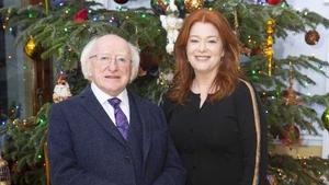 Bláthnaid Ní Chofaigh agus Uachtarán na hÉireann, Mícheál D. Ó hUigínn.