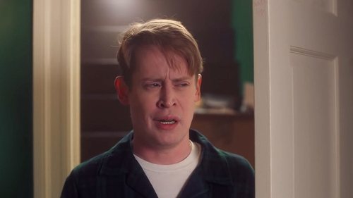 Macaulay Culkin recreates scenes from his beloved Home Alone