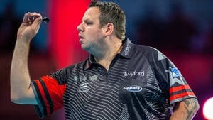 Adrian Lewis won without dropping a set