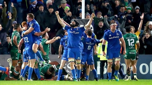 Leinster players celebrate Andrew Porter's 82nd minute winning try