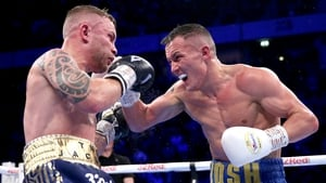 Warrington successfully defended his IBF belt against Frampton (L)