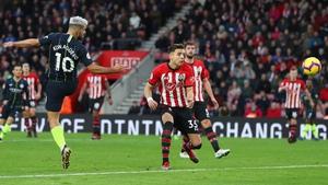 Sergio Aguero scores Manchester City's third