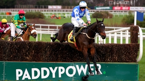 Kemboy en route to winning the Savills Chase