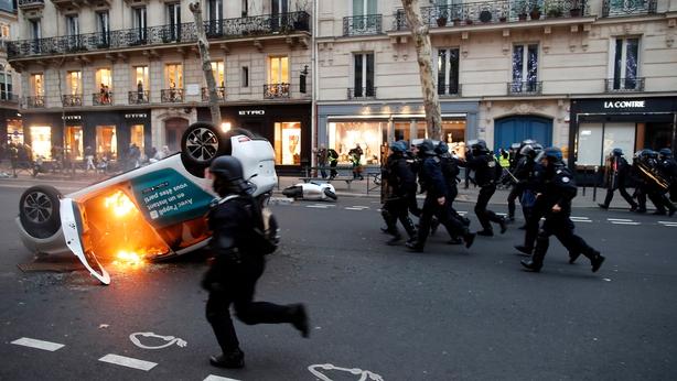 Yellow vest protests Paris