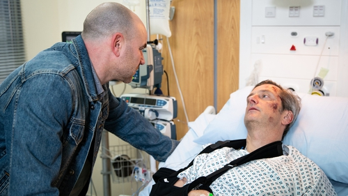 Tim puts the pressure on Duncan in hospital