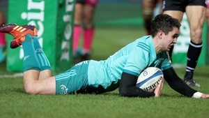Joey Carbery touches down for his opening try