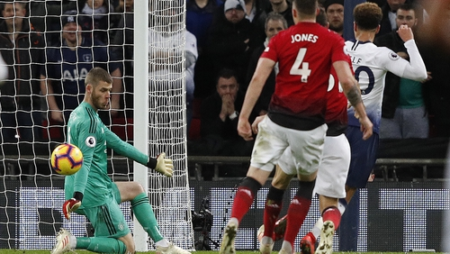 5279f5ffd De Gea saves crucial as United squeeze past Spurs