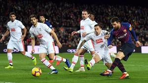 Lionel Messi score his 400th Barcelona goal