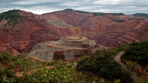 Newmont Mining to buy smaller rival Goldcorp for $10 billion