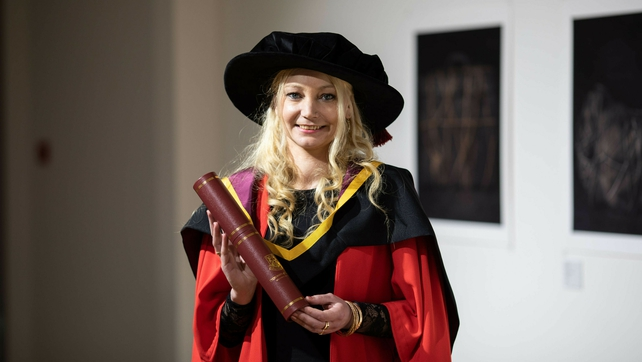 rte.ie - Maria Flannery - Traveller becomes first to graduate with PhD in Ireland