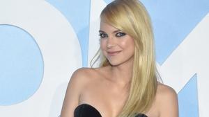 Anna Faris offers to officiate ex Chris Pratt's wedding