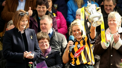 Shelly Farrell lifts the League cup for Kilkenny last year