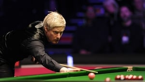 Neil Robertson spilt his drink on his trousers