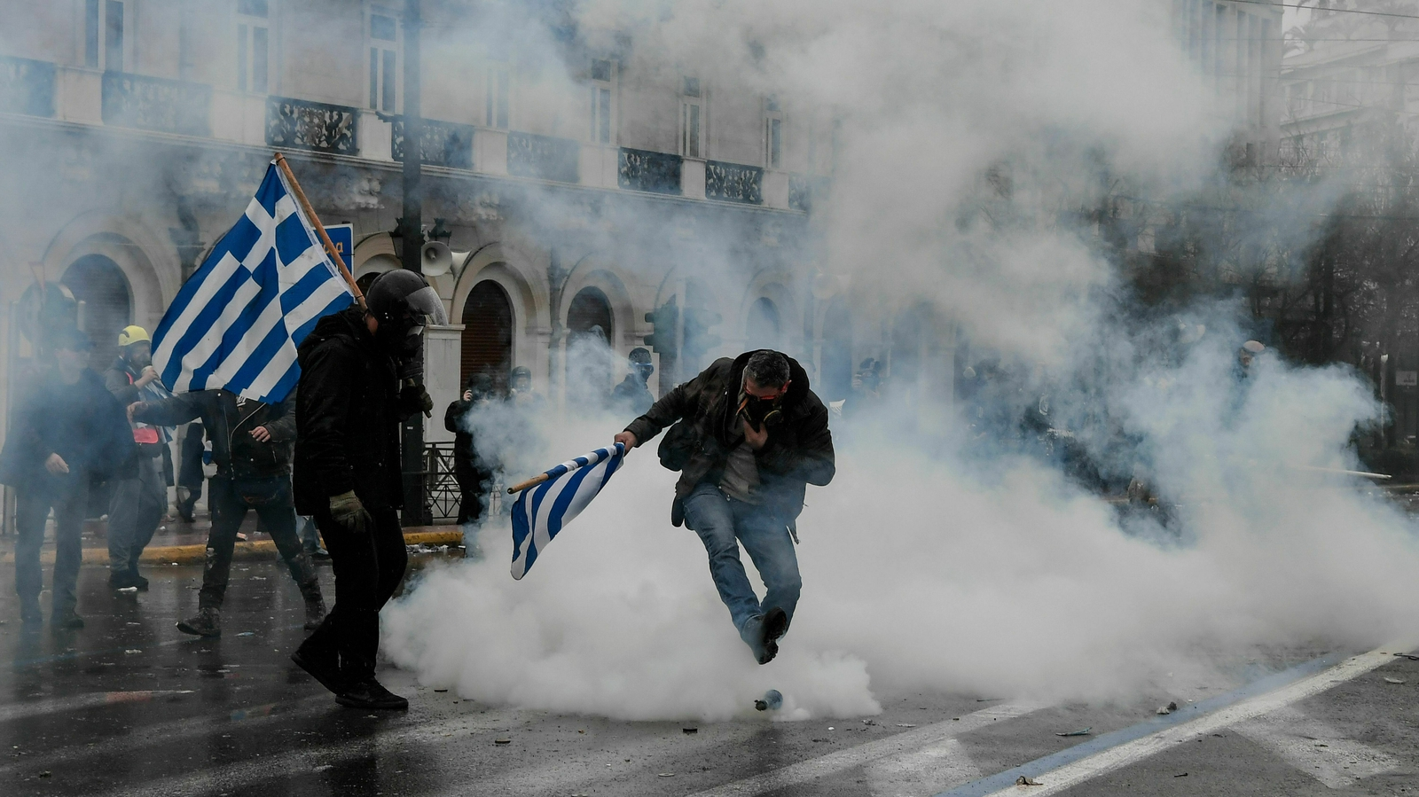 Clashes in Athens over Macedonia name change deal