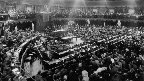 The First Dail meets at the Mansion House in 1919