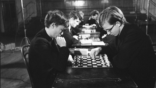 Chess players in Wesley College, Dublin
