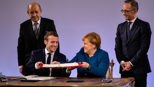 Emmanuel Macron and Angela Merkel want to strengthen Franco-German ties