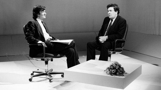 Dr Anthony Clare interviews John Hume on 'Irish In Mind' (1989)