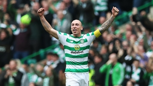 Celtic midfielder Scott Brown today signed a new contract keeping him at the club until 2021