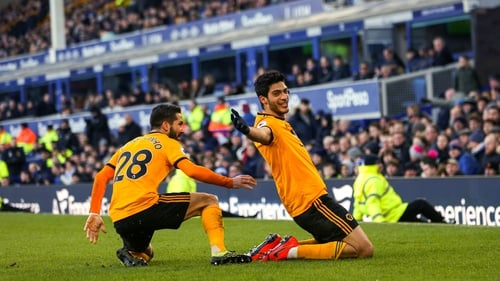 Silva admits pressure growing at Everton
