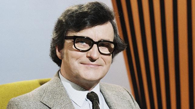 Arthur Murphy, Mailbag Presenter (1983)