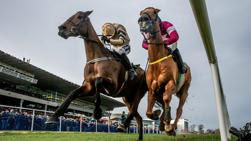 Bellshill (L) won The Unibet Irish Gold Cup on the line from Road to Respect