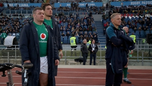 Joe Schmidt looks on as Ireland claim a bonus point win over Italy