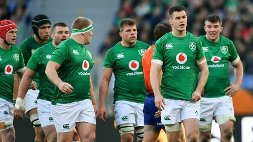 Six Nations: Ireland labour to 26-16 bonus-point victory over Italy