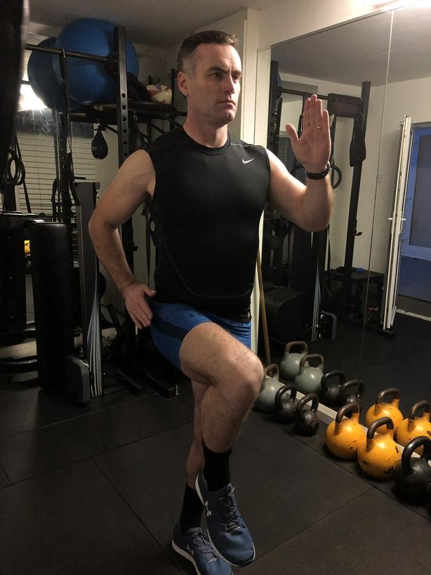 High knee sprint on the spot