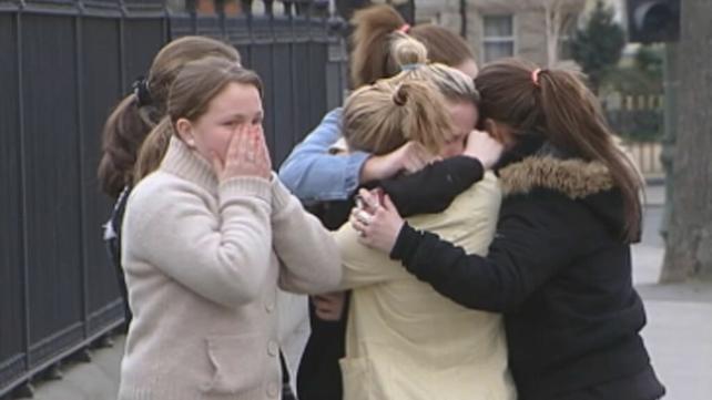 Emotional Westlife fans, Ballsbridge (2004)