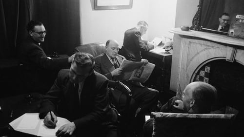 Travelling salesmen unwind in their digs. Photo: John Chillingworth/Picture Post/Hulton Archive/Getty Images