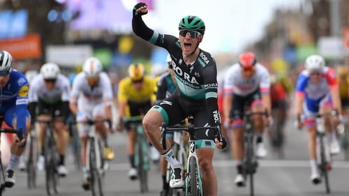 Sam Bennett celebrates his stage win in France