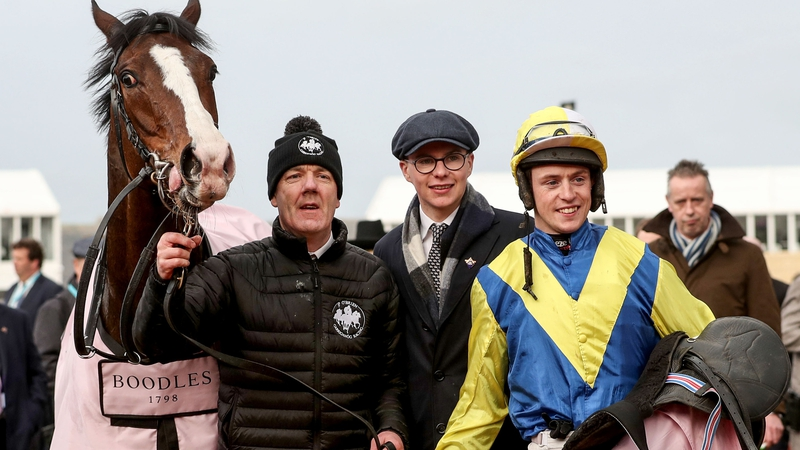 Trainer Joseph O'Brien (C) celebrates with JJ Slevin (R) and Band Of Outlaws