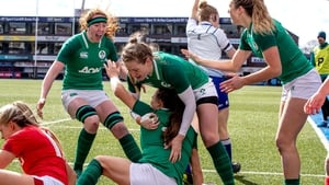 Beibhinn Parsons celebrates her first-half try